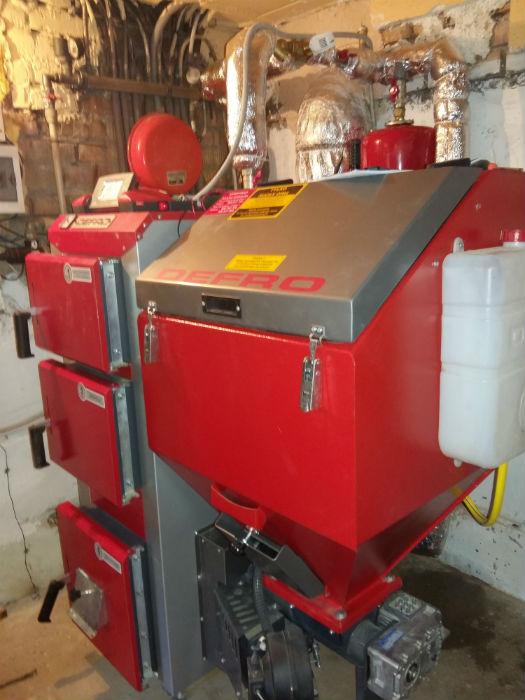 Пример установленного пеллетного котла на 10 кВт